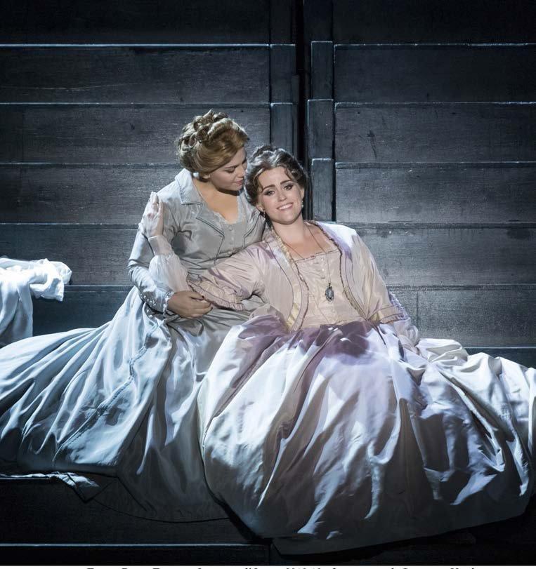 Il trovatore al Teatro Regio di Torino: Rachel Willis- Sørensen (Leonora) e Ashley Milanese (Ines)